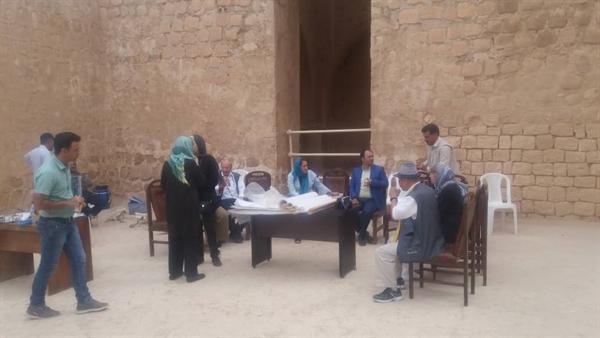 بازدید گروه ایساکارسا از کاخ ساسانی سروستان