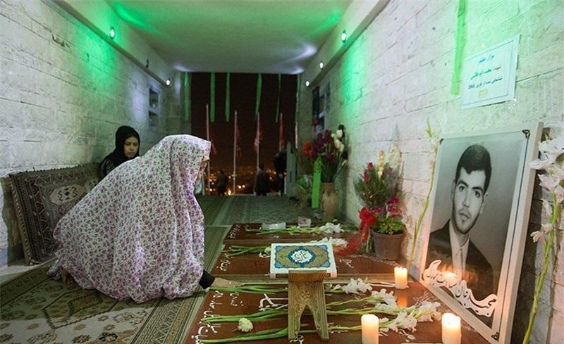 گرامیداشت مادر شهیدان ابوطالبی در کهف الشهداء
